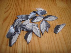 резинки канзаши с двойным острым лепестком мастер класс