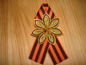 праздничная брошь канзаши к 9 мая