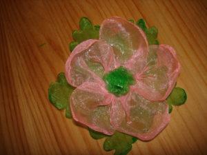 делаем цветок из органзы