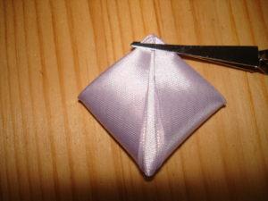 лепесток канзаши из ленты 5 см